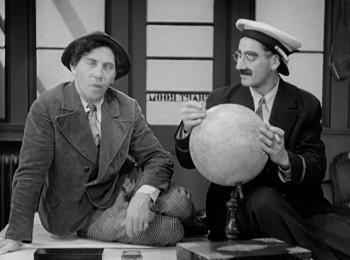 Monkey Business (1931) download